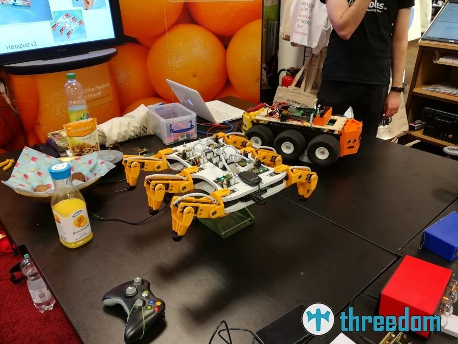 """Das offene Labor """"42nibbles"""" der FH Dortmund präsentieren ihre Projekte auf der Mini Maker Faire 2017"""
