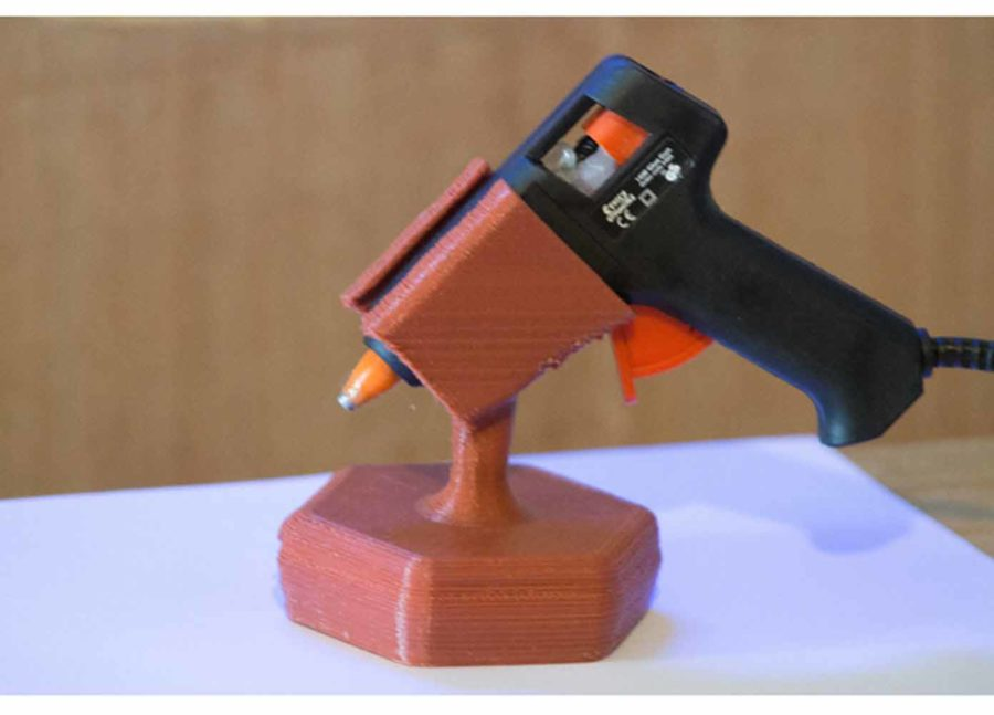 Ständer für Heißklebepistolen (7mm) (Bildquelle: niki m/thingiverse)