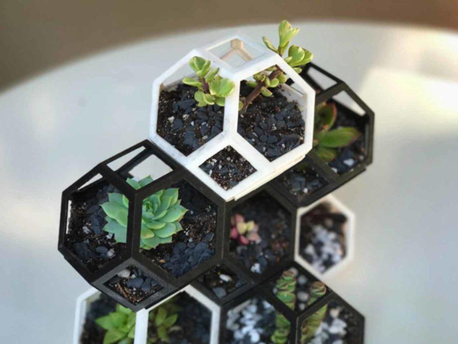 "Polygon Anzuchttopf (stapelbar) ""Plantygon"" (Bildquelle: printfutura/thingiverse)"